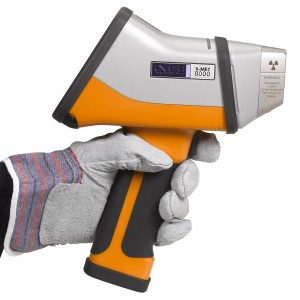 X-Met8000-Side-left-glove.lr